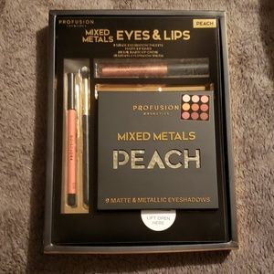 Brand New Profusion Mixed Metals Eyes & Lips Kit